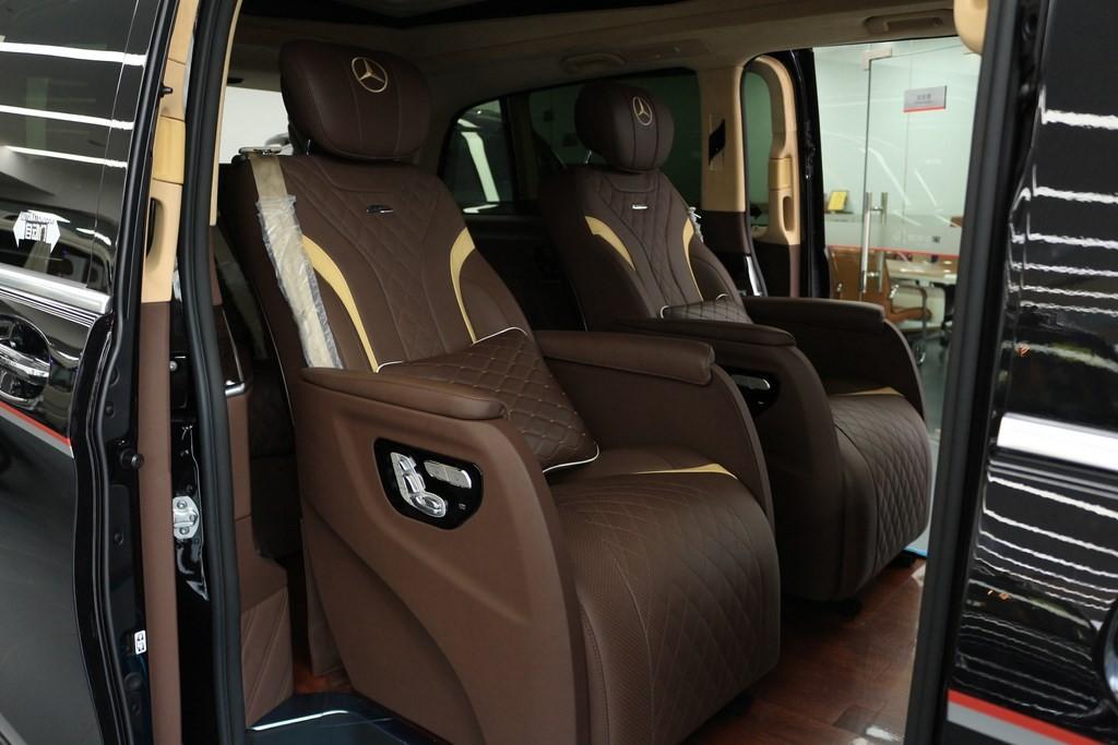 私人定制奔驰v260商务车外黑内棕不隔断高顶