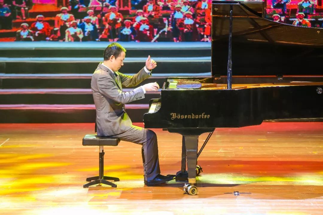 鋼琴老師—鄭曉峰