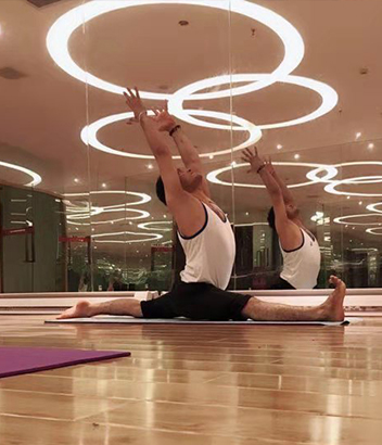 Vikas瑜伽教練