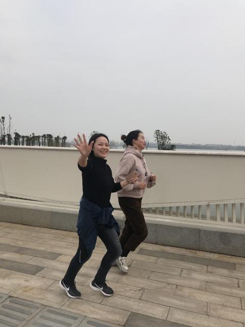 """拜尔集团行政部组织开展了""""东湖绿道健身跑步""""活动"""