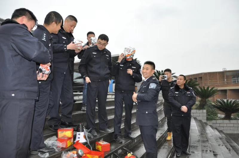 遵义市公安局开展消防培训讲座及消防演练活动