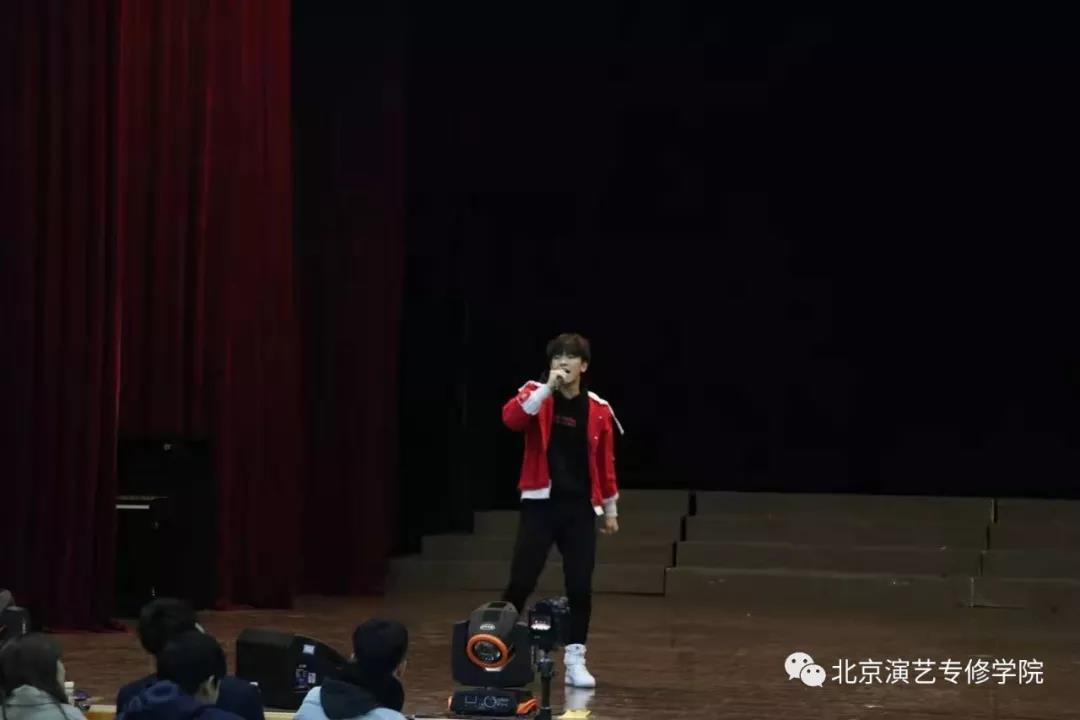 坤音娱乐练习生招募计划海选在万博登陆官网举行