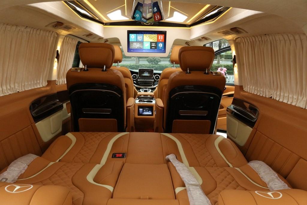 奔驰v260高顶不隔断商务房车时尚橙色