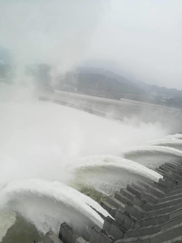 拜尔集团同步顶升系统助力三峡大坝检修工作