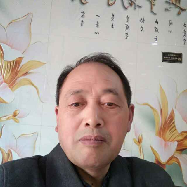 木工工长刘厚明