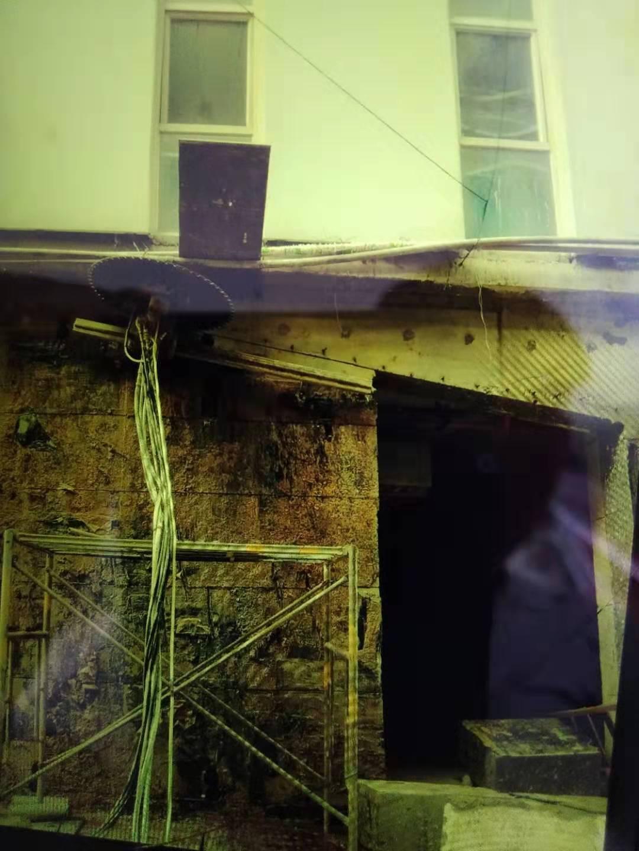武汉客厅艺术大厦地下车库开门洞