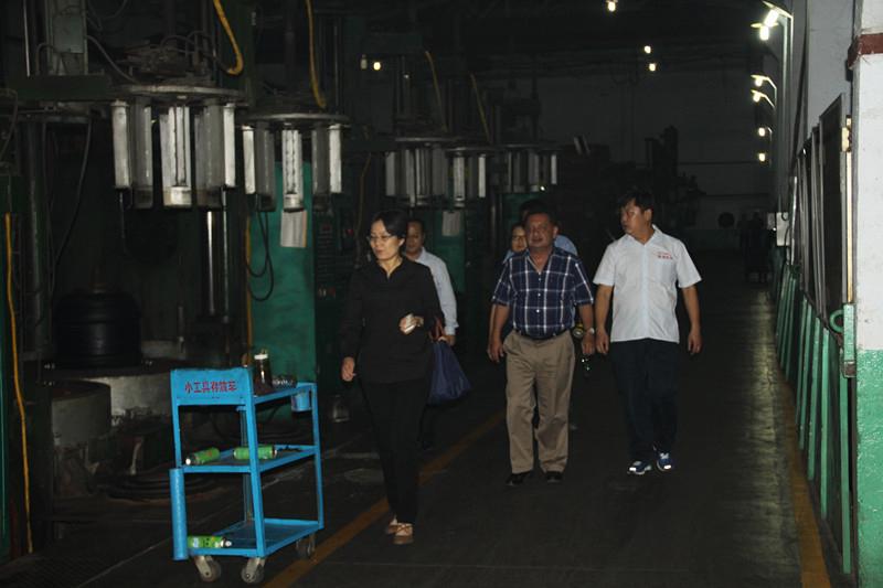 巴拿马Muresa公司领导到我公司参观考察