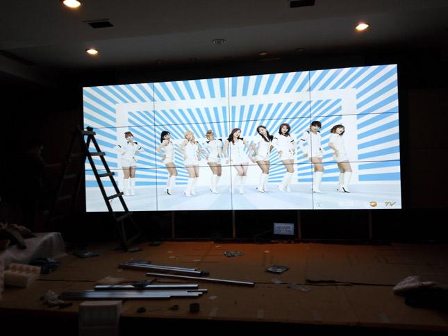 成都锦江会所液晶拼接屏项目