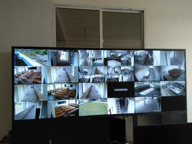 广安职业学校46液晶拼接大屏项目
