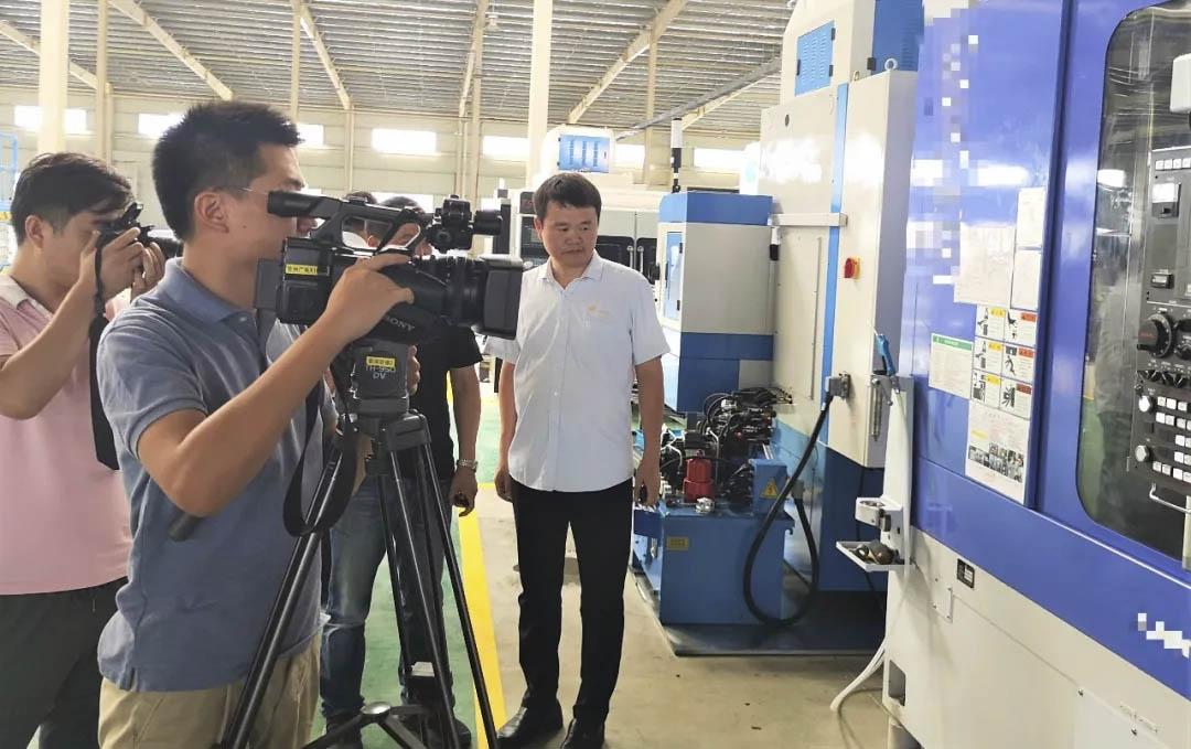 新闻人物|巨杰集团董事长蔡玲民先生接受徐州电视台独家专访