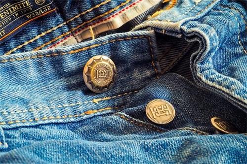 旧衣服行业渐显合法化进程-福建召开环境大会,旧衣服再生或合法