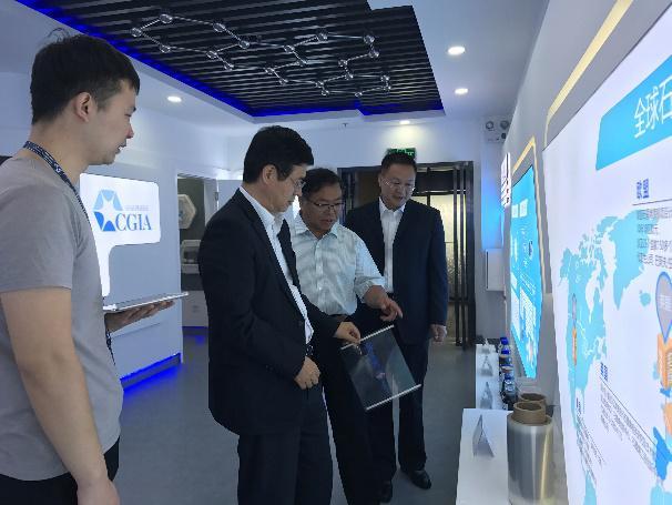 陕西省科技厅副厅长兰新哲莅临西安丝路石墨烯创新中心考察指导