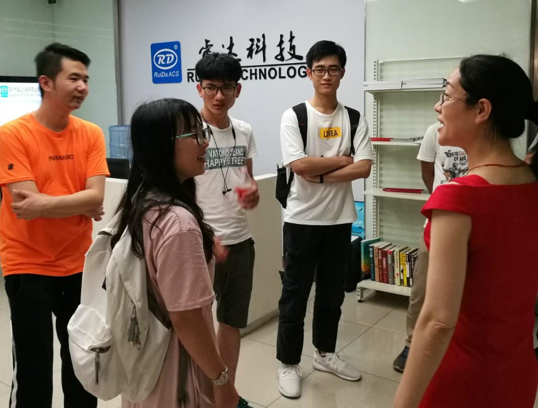 深圳大学计算机与软件学院学子调研访问万博manbetxAPP安卓科技