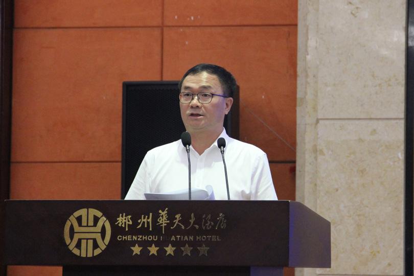 科技立企 创新兴企 为企业发展注入不竭动力 ——刘潭爱董事长谈促进非公有制经济发展