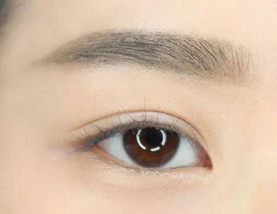 美妆小贴士— —眉毛·眼线这样画,在线提升颜值