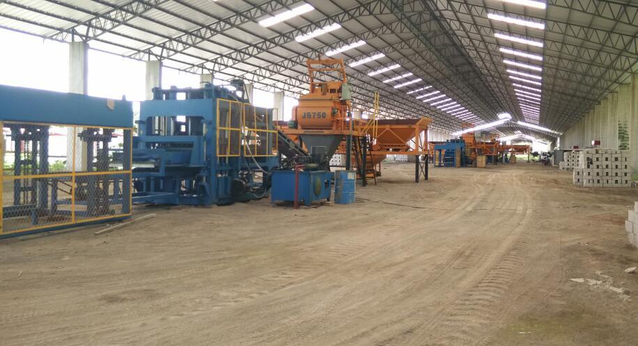 新型环保透水砖机器,顺应业态转型,助理新型产业园建设