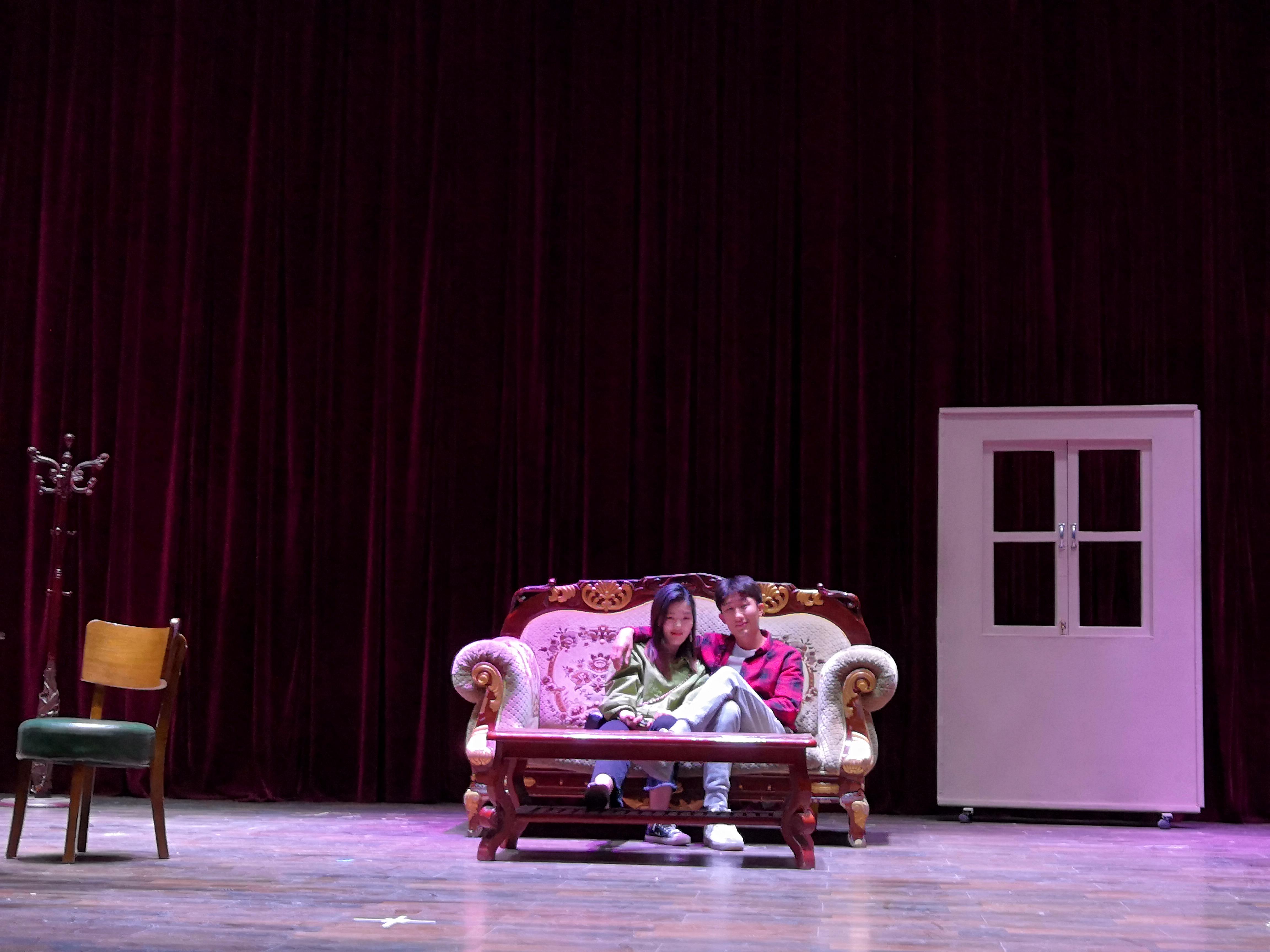 表演系在实验剧场举行才艺大赛初赛排练
