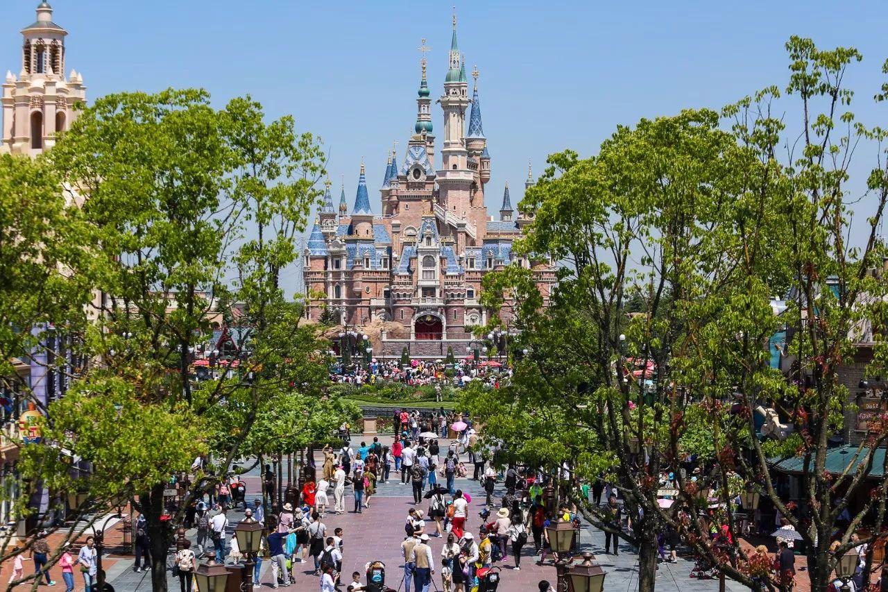 华特迪士尼公司发布2017财报,上海迪士尼度假区首个完整财年获得运营收入