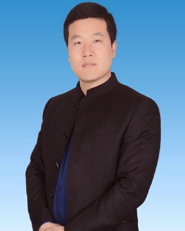 何小刚-战略咨询总监