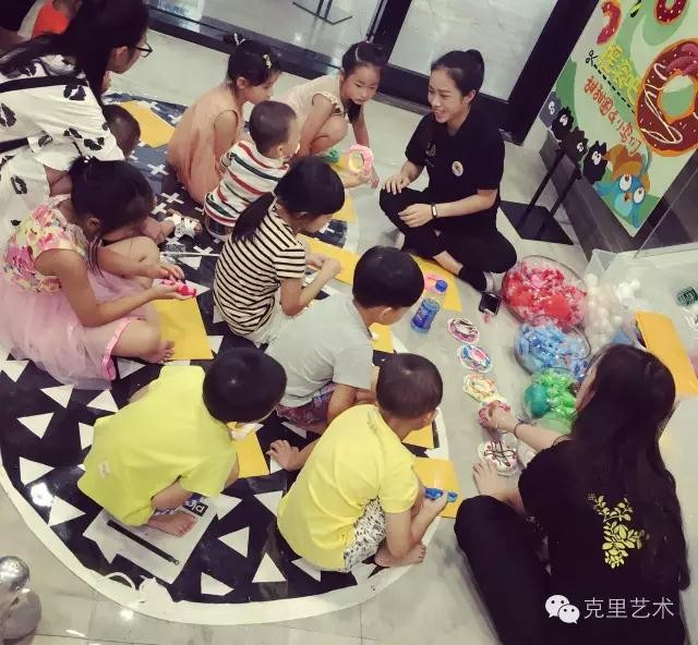 儿童艺术教育应注意孩子年龄,图培训面对不同年龄的毛孩子应如何教学?