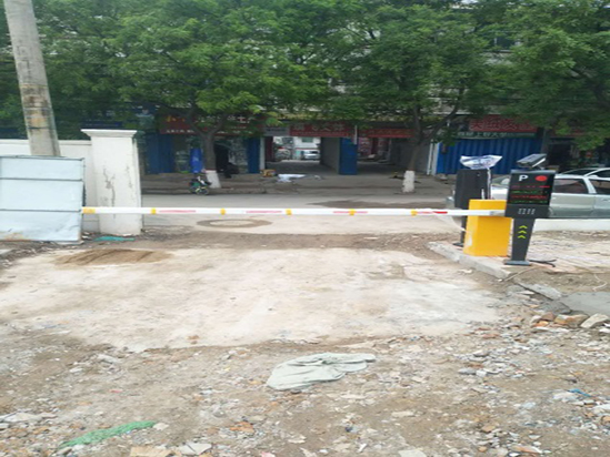 富平县王国百货商业停车场车牌识别项目