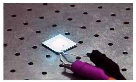 白光LED发光效率创新纪录