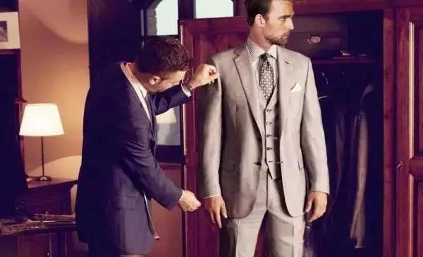 短型身材适合穿什么样的西装?