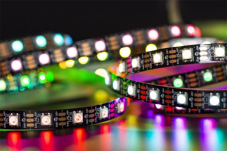 魔灯主营WS2812B型LED灯带详解