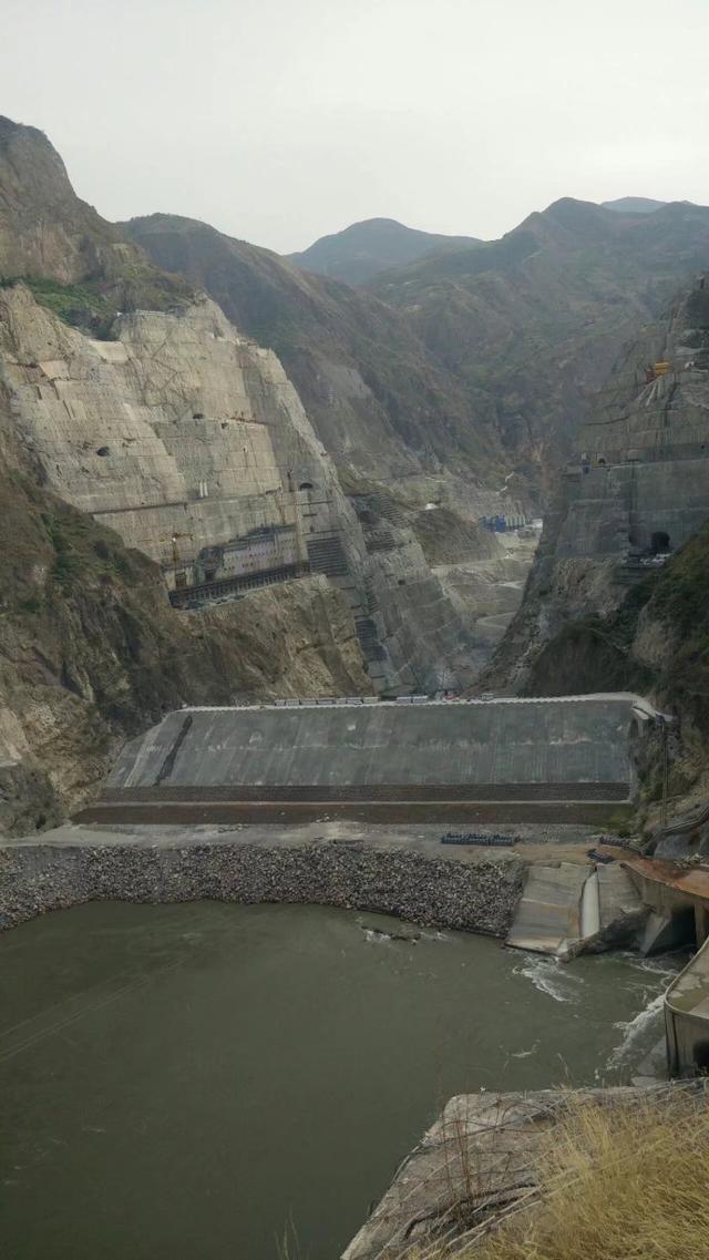 拜尔集团助力水电八局、葛洲坝集团机电建设公司-乌东德水电站安装