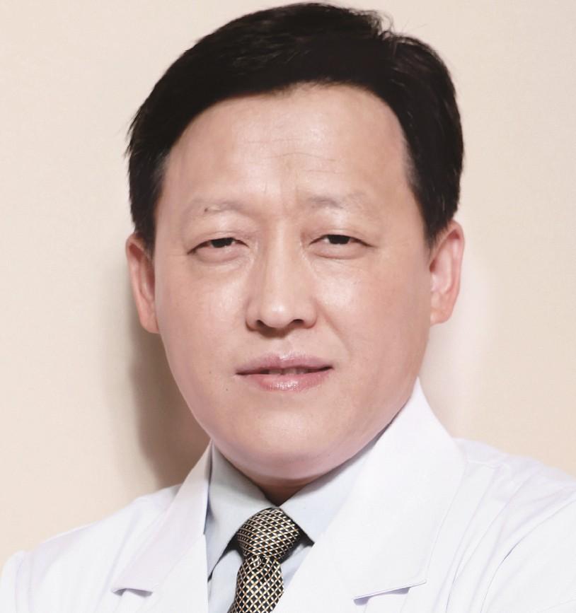 廉井财-眼科医师