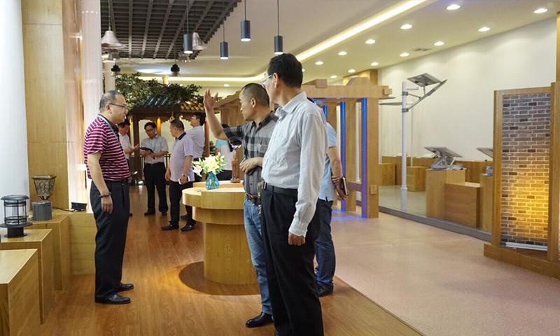 河南省商城县委李书记及县委领导一行莅临龙8国际最新官网考察指导