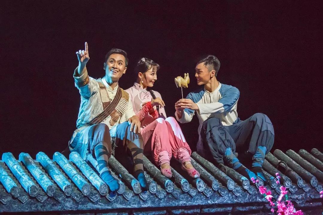 我院大型原创舞剧《金蝉塑与糖人宝》市场看好
