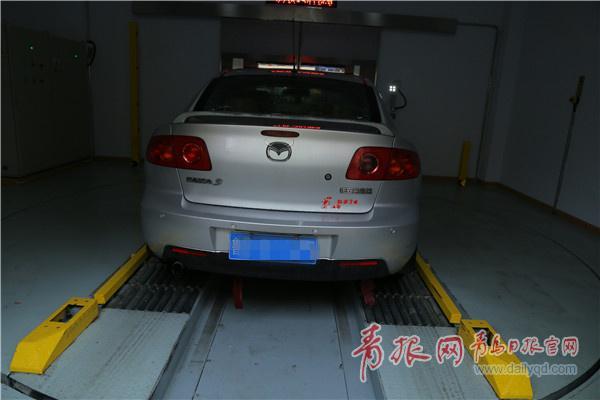 青岛首个智能立体停车场启用 可自动矫正取车仅90秒