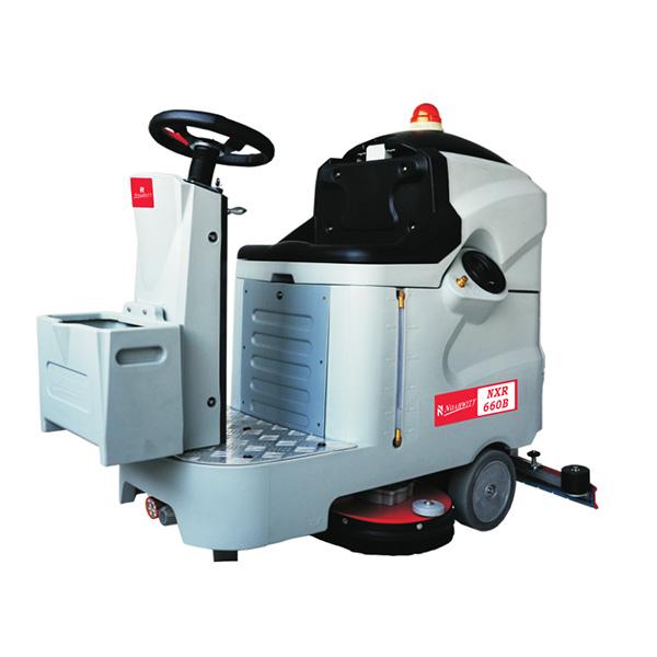 NXR系列驾驶式洗地机