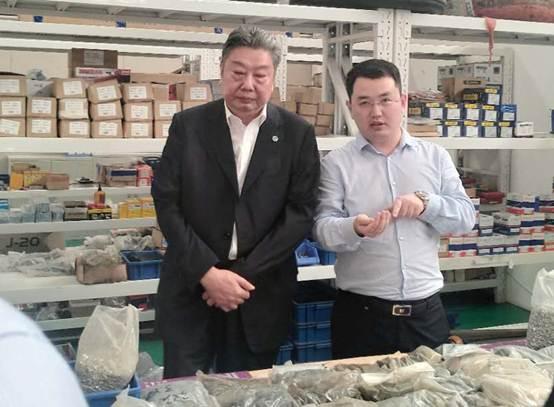 中国航空学会理事长林左鸣一行考察航誉科技 总经理甘兆友陪同考察