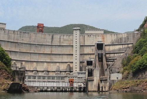 紧水滩电厂大坝