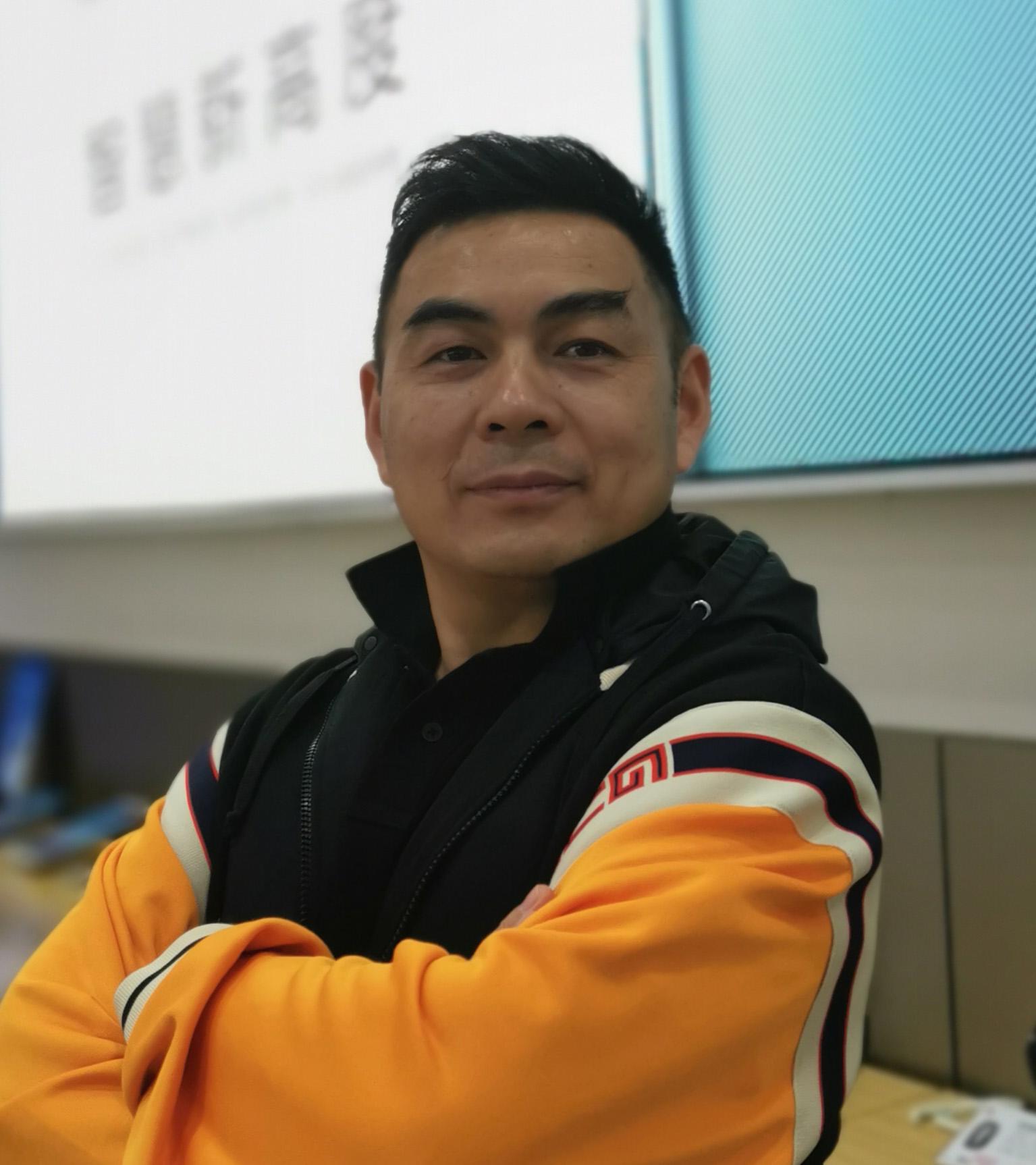王 斌    副会长