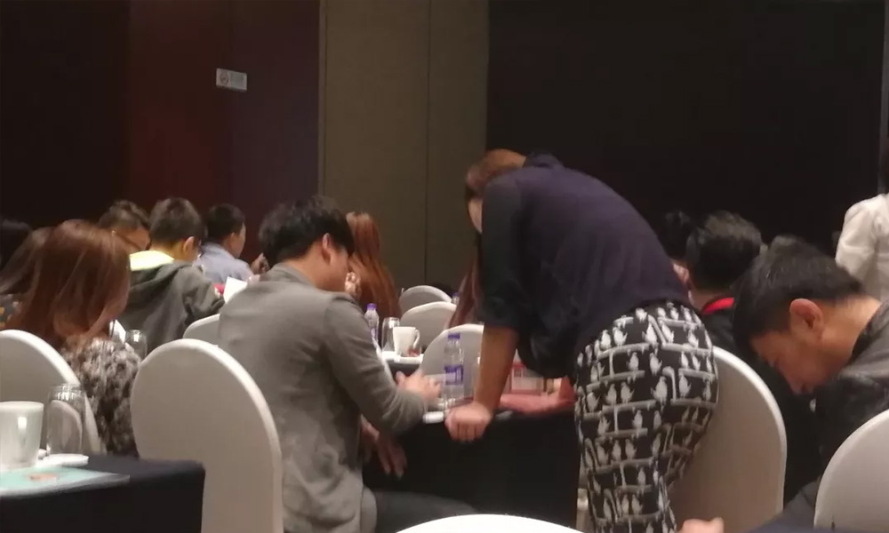 UBM大良造/港澳中心首发场/现场火爆依旧/成交量再破纪录