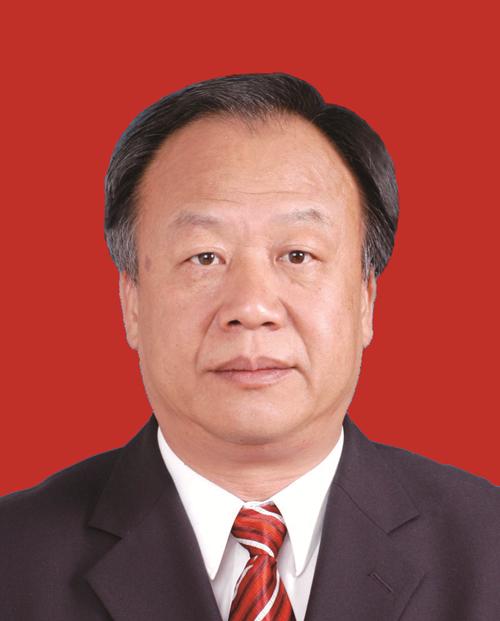 尹小满先生