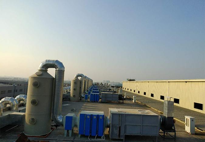 项目名称:东莞市汇雅实业有限公司_喷涂车间废气治理设备_总风量:Q=252000m³h_工艺:喷淋塔+过滤器+光催化+活性炭