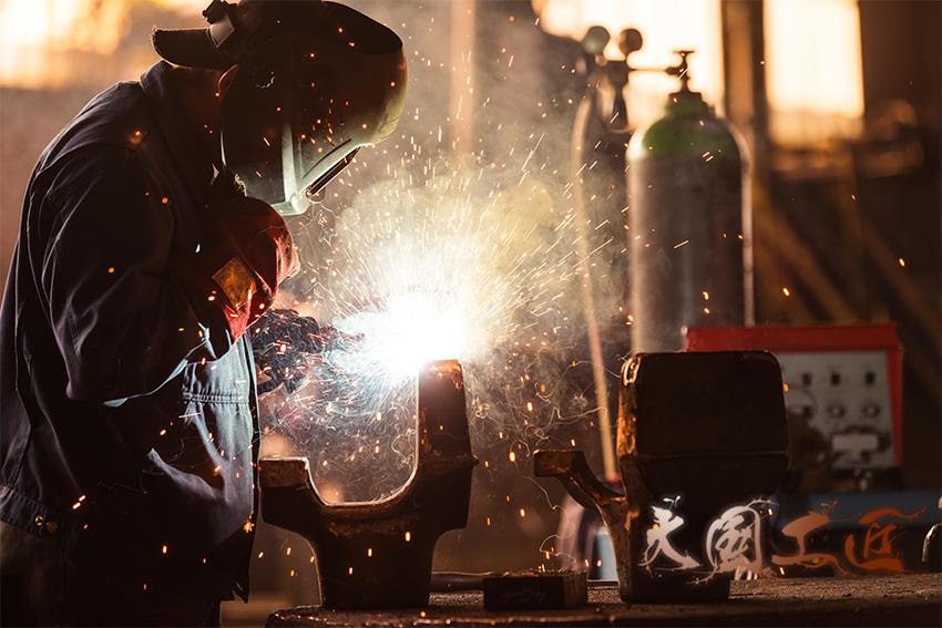 """通用机器解读两会热点:发扬""""工匠精神""""打造工匠大国"""