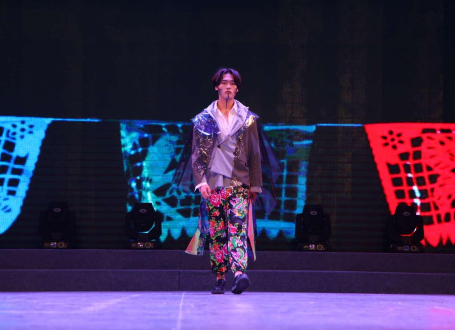 藝術設計系————第十届服装大赛