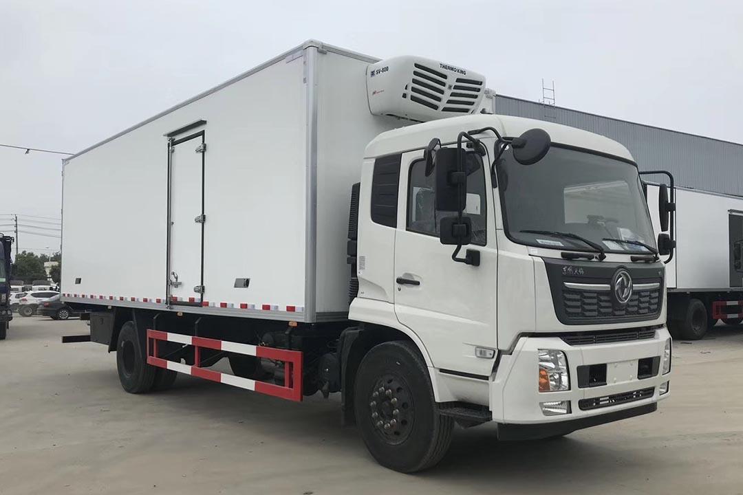 东风天锦黄牌冷藏车7.8米
