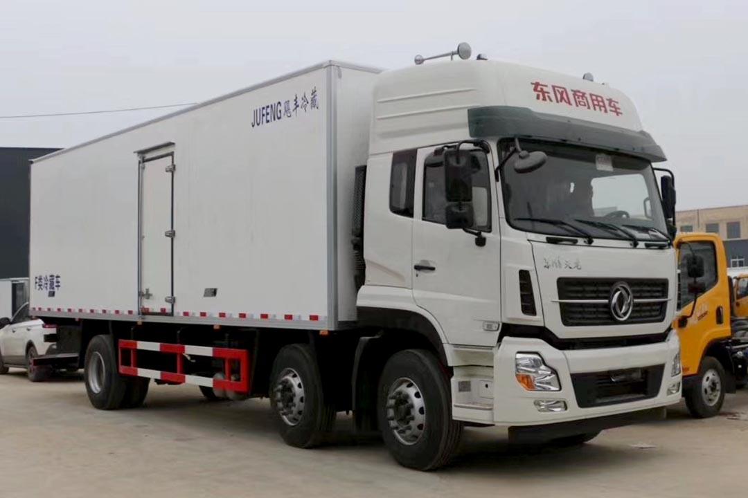 东风天龙三桥冷藏车DFH5250XLC