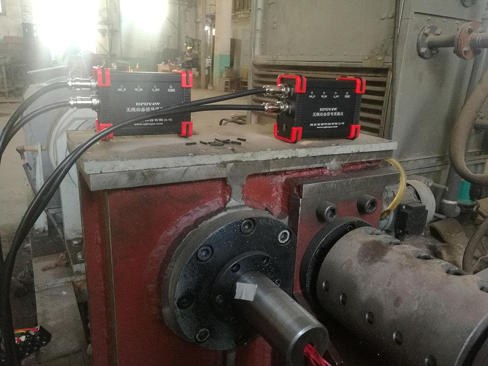 清华大学--增速传动系统中齿轮碰撞实验
