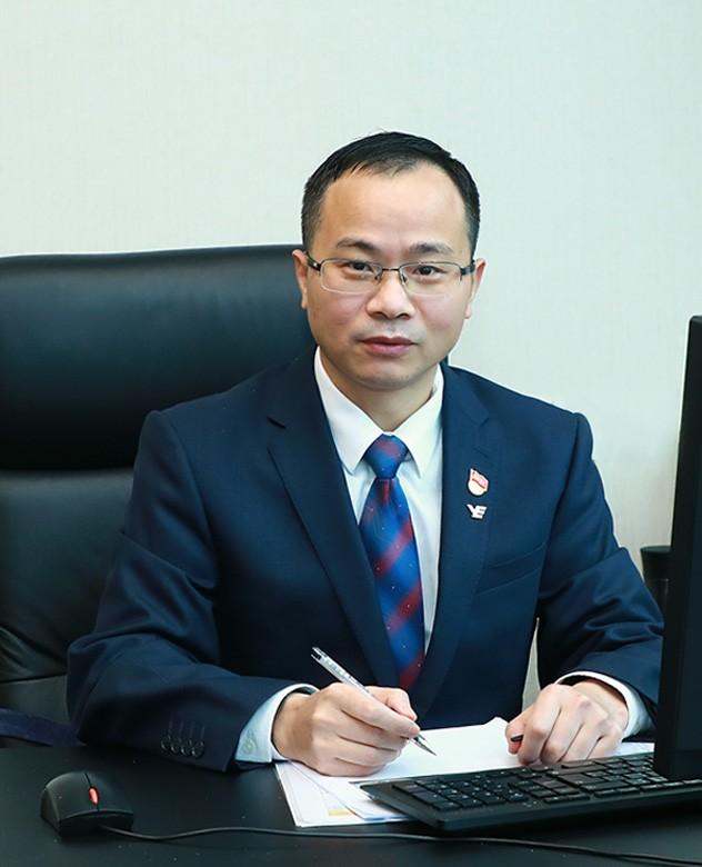 Zhu Chuanbao(Operations Director of Yuexiu Transport)