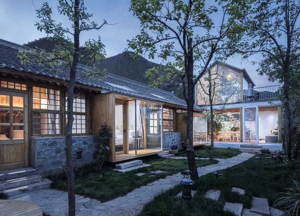 说明: https://oss.gooood.cn/uploads/2019/05/012-huasheshanjian-guest-house-china-by-upa-960x692.jpg