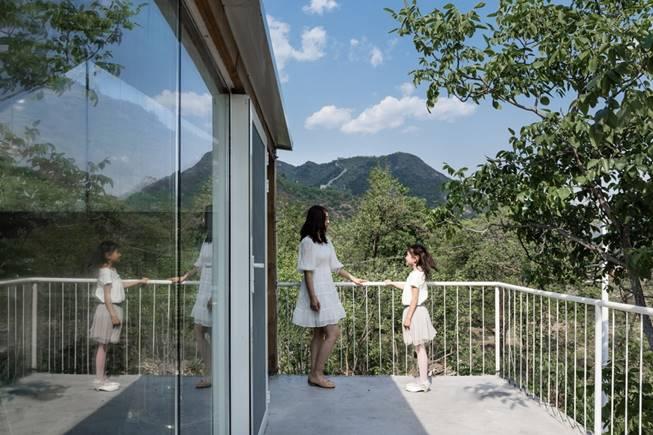 说明: https://oss.gooood.cn/uploads/2019/05/025-huasheshanjian-guest-house-china-by-upa-960x640.jpg