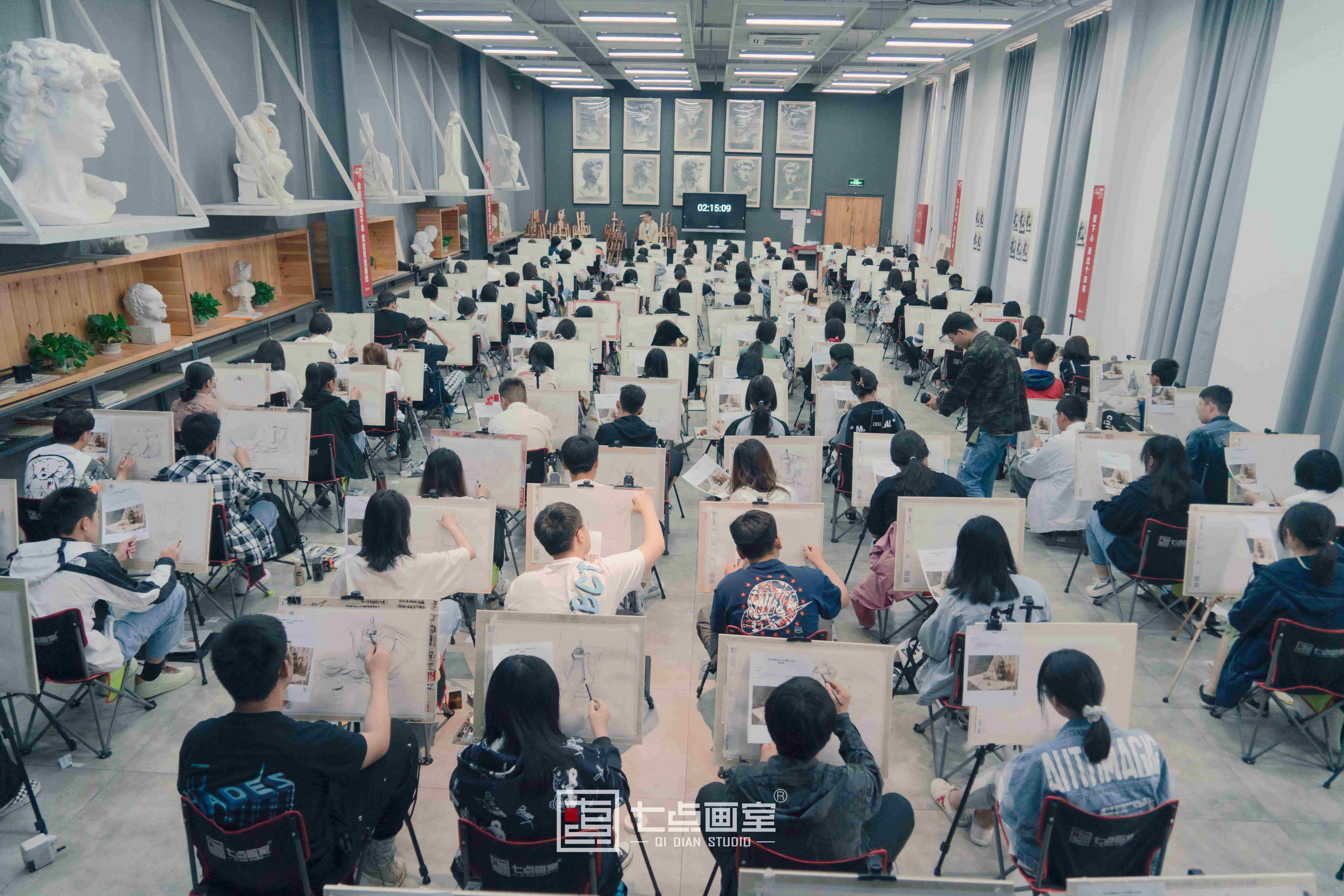 【七点画室第一次月考】朝着梦想,努力追逐!
