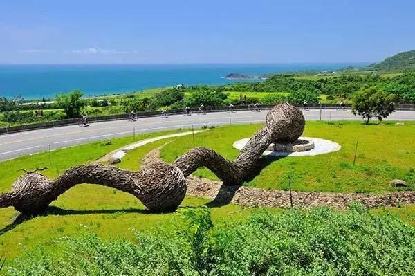 与笨鸟一起互动赏析旅游空间的景观艺术小品